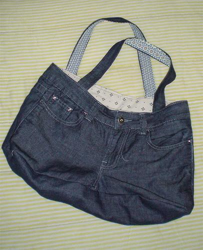 Come costruire una borsa da un vecchio apio di jeans for Borse fai da te jeans